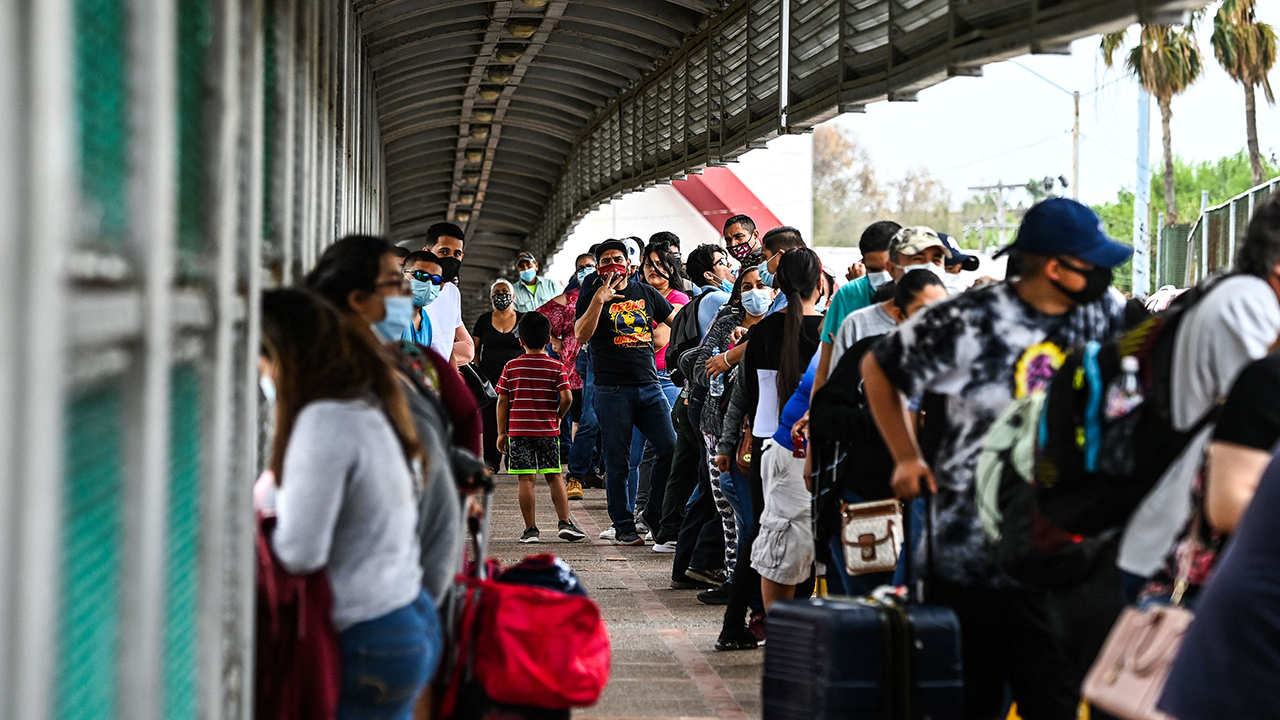 PEW – Most Americans Are Critical of Government's Handling of Situation at U.S.-Mexico Border