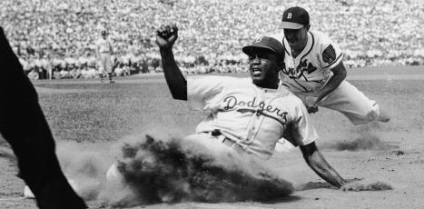 when did jackie robinson break the color barrier