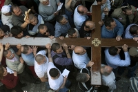 Christian Arab worshippers