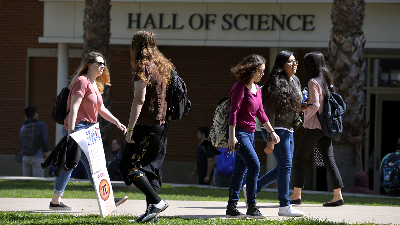 Students go to and from classes at Long Beach State University in 2017. (Scott Varley/Digital First Media/Torrance Daily Breeze via Getty Images)
