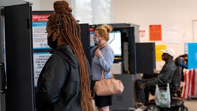 Voters cast their ballots at Metropolitan Library in Atlanta on Nov. 3, 2020. (Megan Varner/Getty Images)